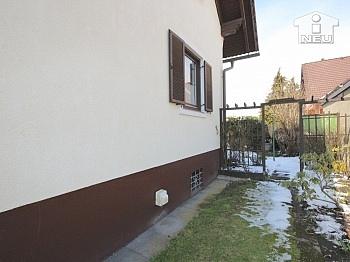 Fliesenböden angeschlossen großzügigem - Idyllisches Wohnhaus in absoluter Sonnenlage in Klagenfurt