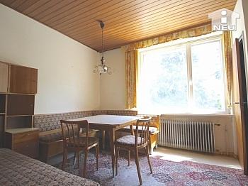 Wohnzimmer Fahrradweg Kachelofen - 3-Zi-Wohnung LKH-Nähe