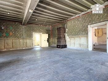 zusätlicher Grundstück Bausubstanz - Historische Liegenschaft mit Nebengebäude und Stall in Grades