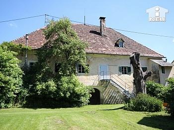 Holzdielenböden zweigeschossige bemerkenswerten - Historische Liegenschaft mit Nebengebäude und Stall in Grades