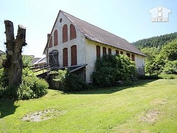 Nebengebäude spätgotische Grundstücken - Historische Liegenschaft mit Nebengebäude und Stall in Grades