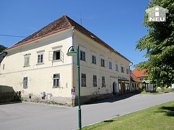 Jahrhundert Grades Haus - Historische Liegenschaft mit Nebengebäude und Stall in Grades