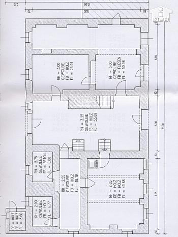 Walmdach dominant Friesach - Historische Liegenschaft mit Nebengebäude und Stall in Grades