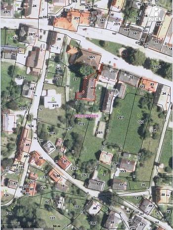 liegt Teil  - Historische Liegenschaft mit Nebengebäude und Stall in Grades