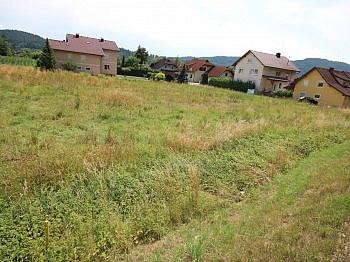 Grundstücksgrenze Bushaltenstelle Bushaltestelle - Schöner flacher Baugrund in Pischeldorf/Krobathen