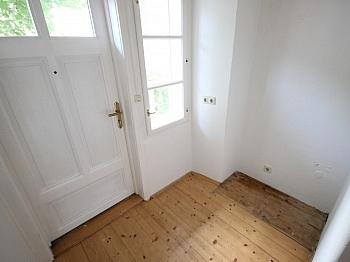 geschliffene Kellerabteil Schlafzimmer - 2 Zi Wohnung in Klagenfurt - Morrestrasse