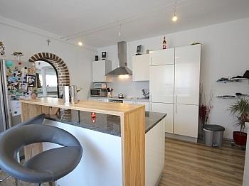 Elternschlafzimmer Terrassenplateaus Nutzungsregelung - Perfekt aufgeteilte 170 m² Wohnung in Launsdorf