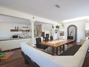 Sitzgelegenheit Garagenplatz Verfügung - Perfekt aufgeteilte 170 m² Wohnung in Launsdorf