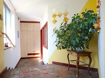 Ostterrasse Kachelöfen Grundstück - Heimeliges Einfamilienhaus mit Pool in Leibsdorf