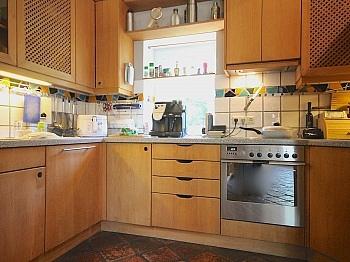 Kachelöfen beinhaltet angebauter - Heimeliges Einfamilienhaus mit Pool in Leibsdorf