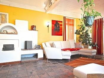 Einbaumöbel beleuchtetem Wintergarten - Heimeliges Einfamilienhaus mit Pool in Leibsdorf