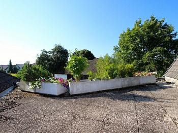 integrierter überdachter Südterrasse - Heimeliges Einfamilienhaus mit Pool in Leibsdorf