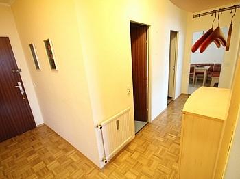 Jalousien Stockwerk Penthouse - Hoch hinauf! Schöne 3 Zi Wohnung in St. Peter