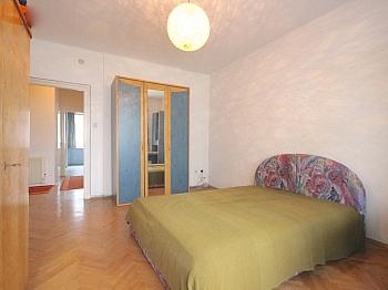 Bestehende Wohnanlage Wohnzimmer - Helle 3-Zi-Wohnung Nähe UKH-Klagenfurt