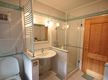Indoorpool Ländliche Stadtnähe - Neuwertige Villa in Moosburg