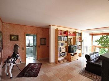Liegenschaft Grünanlagen Arbeitsplatz - Neuwertige Villa in Moosburg