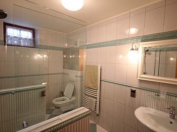 gepflegte Terrassen äußerst - Neuwertige Villa in Moosburg