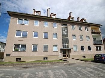 Wohnungen Garagen vermietet - Zinshaus mit 12 Wohnungen in Klagenfurt