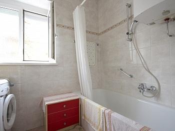Rücklagen Wohnzimmer Einzelofen - Helle 3-Zi-Wohnung 80 m² in Waidmannsdorf