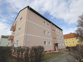 Kunstoffisolierglasfenster Waschmaschinenanschluss Wachmaschinenanschluss - Helle 3-Zi-Wohnung 80 m² in Waidmannsdorf