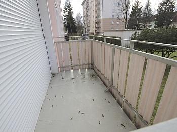 Elternschlafzimmer Autoabstellplätze Thermoisolierung - Helle 3-Zi-Wohnung 80 m² in Waidmannsdorf