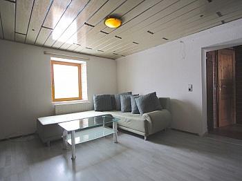 Elternschlafzimmer Hausversicherung Gartenhäuschen - Zentrale 3-Zi-Wohnung 71 m² in Welzenegg