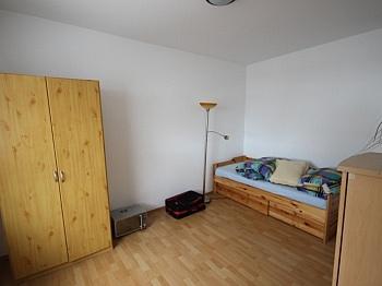 großer schöne Vorraum - Bäuerliches Zweifamilienwohnhaus Ebental