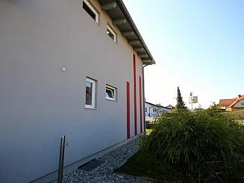Stiegenaufgang Kaminanschluss Infrastruktur - Neuwertiges Einfamilienhaus Klagenfurt/Limmersdorf