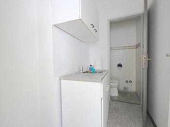 zusätzlich Warmwasser Stellplatz - 46 m² Büro/Geschäftslokal in St.Martin