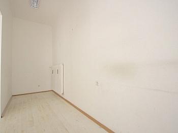 Siedlungslage Erdgeschoss Parkplätze - 46 m² Büro/Geschäftslokal in St.Martin