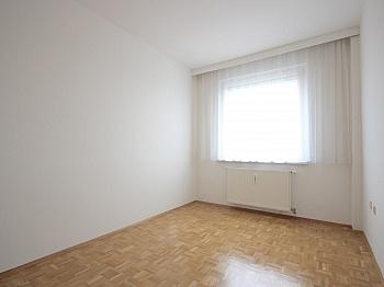 Schlafzimmer Bruttomieten ausgestattet - Sonnige 3-Zi-Wohnung mit traumhaftem Fernblick