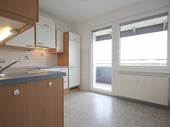 Abstellraum Nutzfläche traumhaftem - Sonnige 3-Zi-Wohnung mit traumhaftem Fernblick
