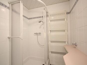 Sonnige sonnige Vorraum - Sonnige 3-Zi-Wohnung mit traumhaftem Fernblick