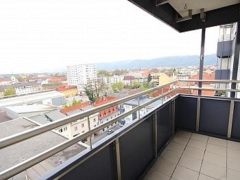 Beziehbar Mietpreis Ostbalkon - Sonnige 3-Zi-Wohnung mit traumhaftem Fernblick