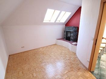offener mittels Fenster - 160m² 5 Zi-Wohnung in der Gartengasse