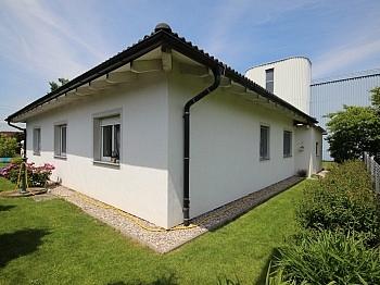 Holzriegelbauweise Gartenbewässerung Kunststofffenster - Neuer 100m² Bungalow in Waidmannsdorf