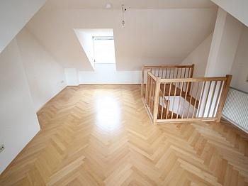 Küche Zentralheizung Schlafzimmer - Sanierte Stadtwohnung 85m² in der Kramergasse