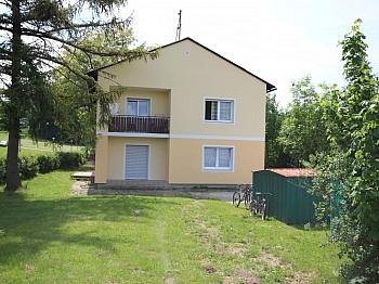 Fernwärmeanschluss Hauseingangstüre Vollunterkellert - Saniertes Wohnhaus 185m² in Moosburg
