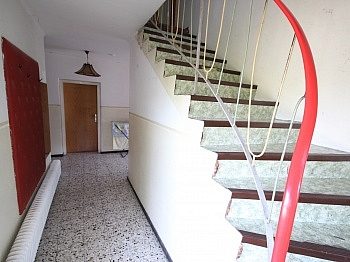 Unterputzrollos Dachuntersicht Abstellräumen - Saniertes Zweifamilienwohnhaus 185m² in Moosburg