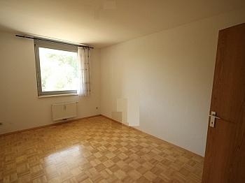 Reichlich zentraler separates - Neuwertige 3 Zi Wohnung in guter, zentraler Lage