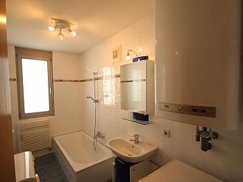 Rücklage Neuwertig separates - Neuwertige 3 Zi Wohnung in guter, zentraler Lage