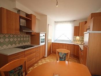 Badewanne Küche Tiefgaragenplatz - Neuwertige 3 Zi Wohnung in guter, zentraler Lage