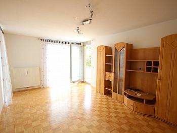 Busverbindung Fliesenböden Infrastruktur - Neuwertige 3 Zi Wohnung in guter, zentraler Lage