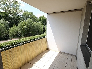 Nähe Beste freie - Neuwertige 3 Zi Wohnung in guter, zentraler Lage