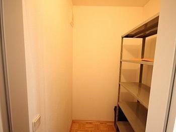 Garagenplatz Isolierglas Holzfenster - Neuwertige 3 Zi Wohnung in guter, zentraler Lage