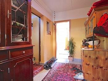 Schlafzimmer Doppelgarage Grundstück - Zentrales Wohnhaus in Waidmannsdorf