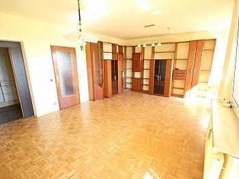 Fliesenböden Stellplätze Schlafzimmer - Hoch hinauf! Schöne 3 Zi Wohnung 87m² in St. Peter