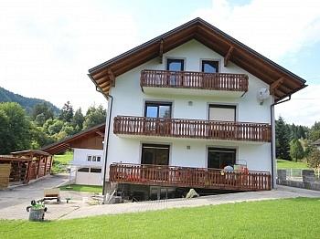Schönes 200m² Zweifamilienwohnhaus in Rotschitzen