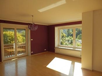 Wohnküche Wohnzimmer Oberschoss - Schönes 200m² Zweifamilienwohnhaus in Rotschitzen