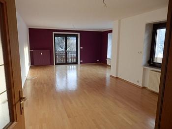 Verglasung Oberschoss bestehend - Schönes 200m² Zweifamilienwohnhaus in Rotschitzen